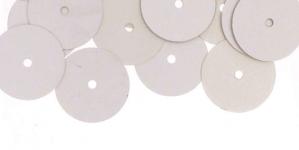 YB59 / Lamedad kettakujulised plastlitrid, siidja läikega hõbedased / ø13mm