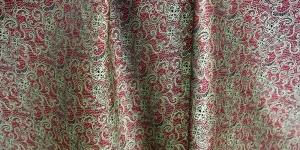 619178/1/16 Roheline, punane mustriga kunstsiidist kangas