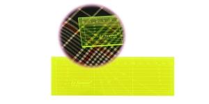 Пластиковая (3 мм) неоновая линейка 5 см х 15 см, Le Summit QR-0515F