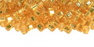 CU4-E-22 Kuldsed, hõbetatud sisuga helmed Cube TOHO, suurus: 4mm, värv: 22